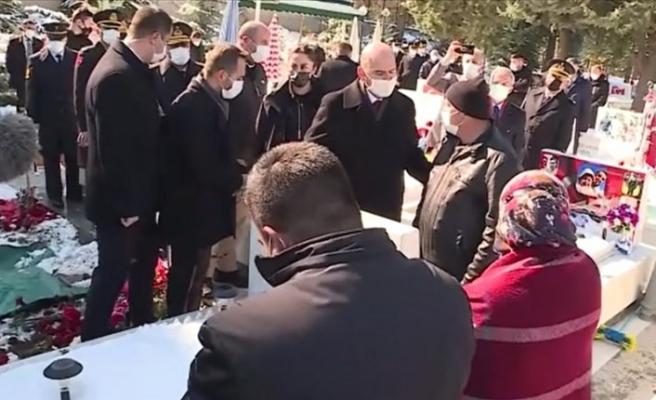 Süleyman Soylu şehit Eşref Bitlis'in kabrini ziyaret etti