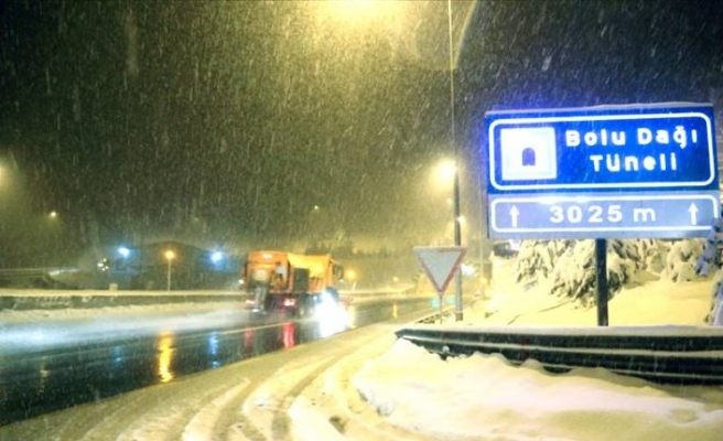 Bolu Dağı'nda kar yoğunlaştı