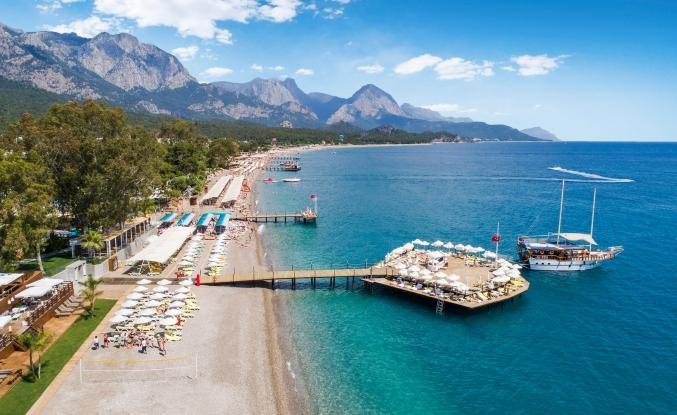 Antalya'ya Alman ve Rus turist akını