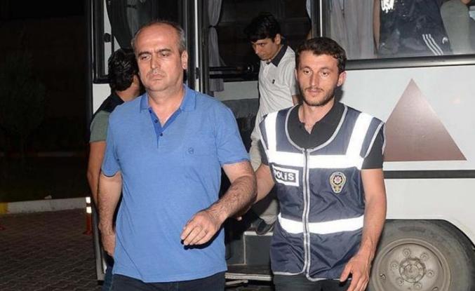 Tahliyesine karar verilen Balyoz hakimi yeniden tutuklandı