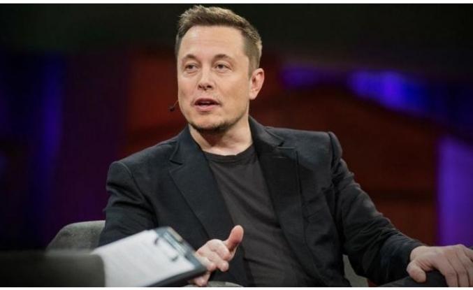 Elon Musk'ın uzaya göndereceği ilk turist ortaya çıktı
