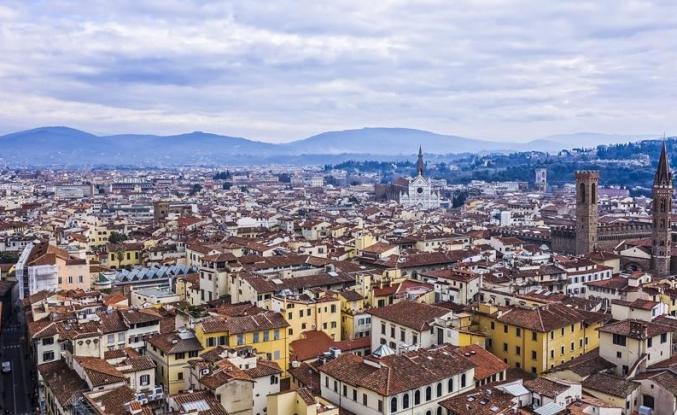 İtalya'nın ünlü turist merkezinde sokakta atıştırmak yasaklandı