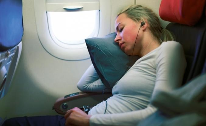 Uçaktaki uyku sağlığı tehdit ediyor