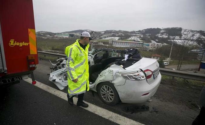 TEM'de zincirleme trafik kazası: 1 ölü, 1 yaralı