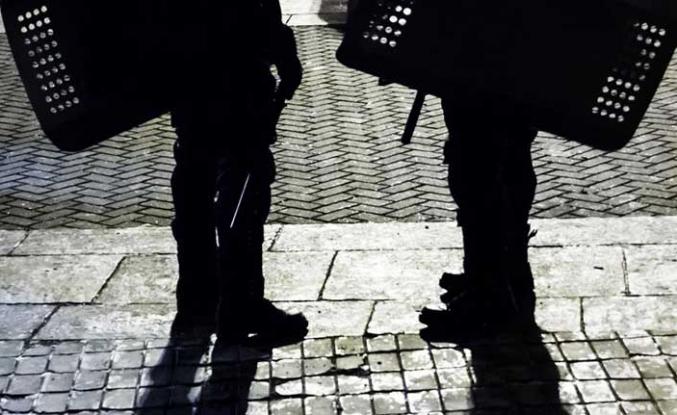 Hırsızlar soygundan sonra yanlışlıkla polis karakoluna girdi!