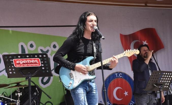 Murat Kekilli'den Suriye'de 23 Nisan konseri