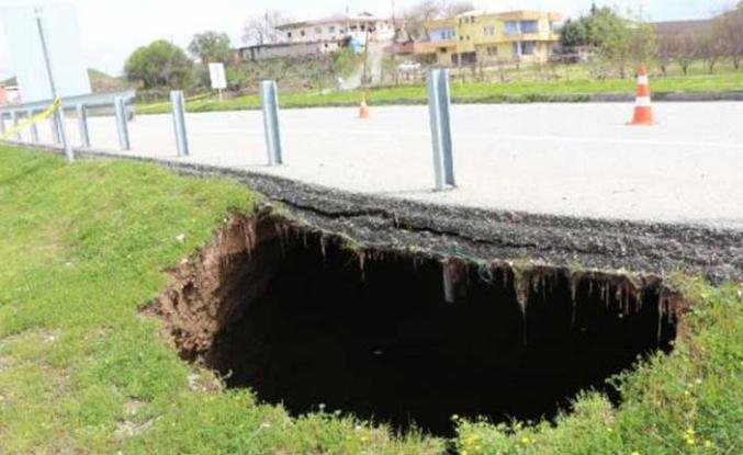 Yol kenarında korkutan görüntü! Tam 12 metre