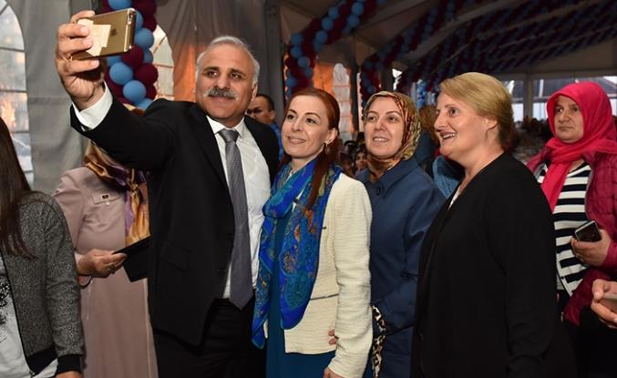 Başkan Zorluoğlu annelerle iftar yaptı