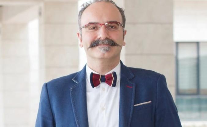 Emrah Safa Gürkan: Bilim, sanat ve edebiyat özgünlük gerektirir