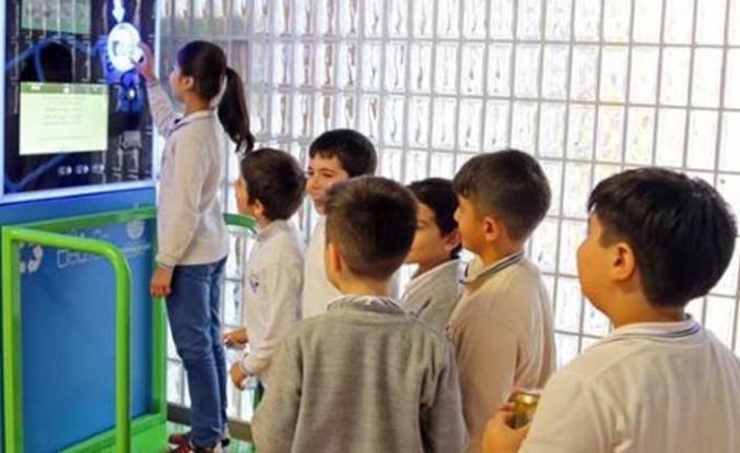 İBB'nin Akıllı Geri Dönüşüm Konteyneri ile hem İstanbullu hem çevre kazandı