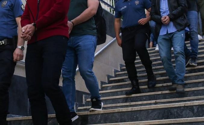 33 kişinin gözaltına alındığı fuhuş operasyonunda 11 tutuklama