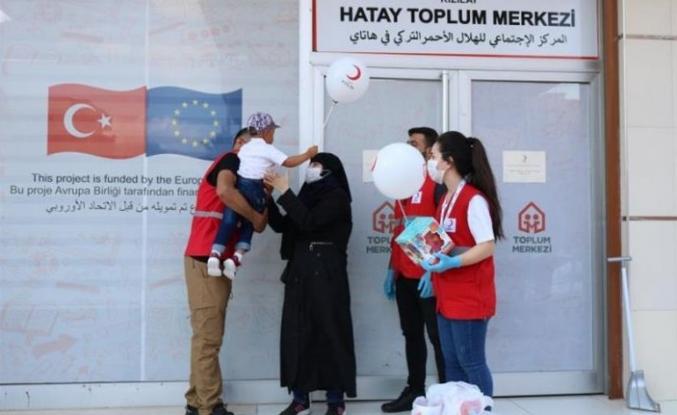Suriyeli anne ve minik oğlunun hasreti Kızılay ile son buldu