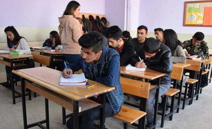 Yeni eğitim sisteminde zorunlu ders sayısında değişiklik