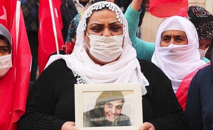 Evlat nöbetindeki annenin gözleri 6 yıldır yaşlı: Çocuğumu PKK'dan istiyorum