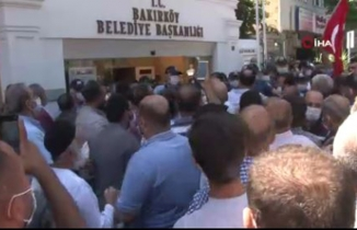 Pazarcılardan CHP'li Bakırköy Belediyesi'ne baskın!
