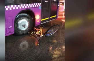 Bisikleti ezen şoför görevden alındı